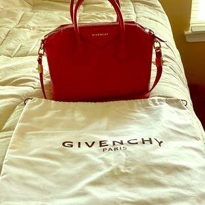 Givenchy Antigona Small Sugar satchel